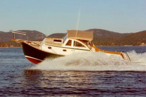 1988 Ellis 24 Express Cruiser