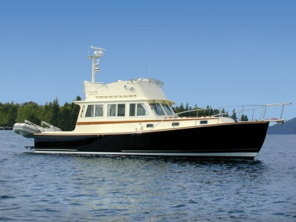 Ellis36FlybridgeCruiserProfile