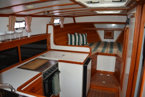 Syarda Ellis 36 Express Cruiser Interior 1