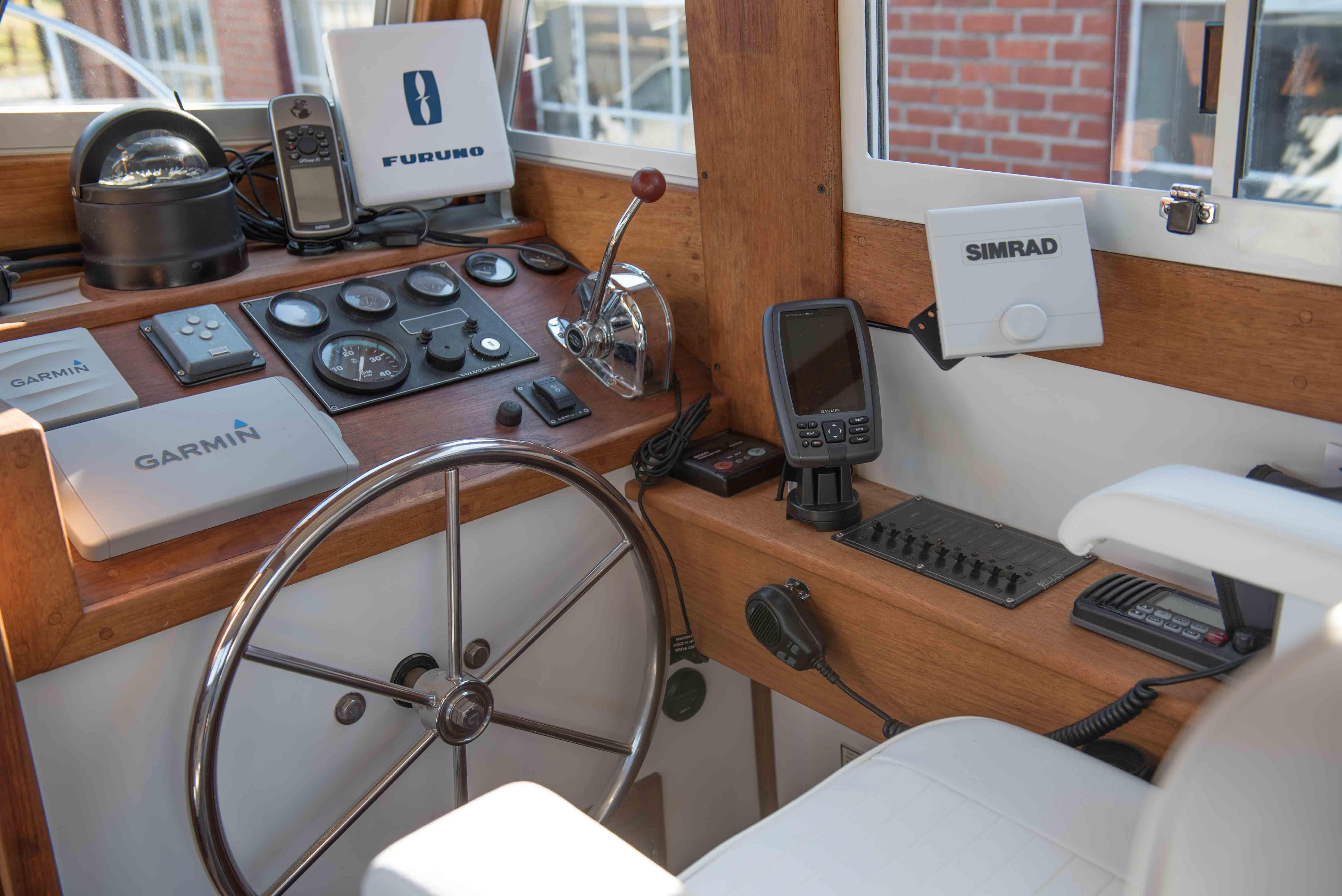 cabin build nauticus boats river gayton life pin cabins berth good a marina cruiser motor